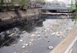 Kiểm soát ô nhiễm nước mặt sông: Thiếu quy hoạch, yếu quản lý
