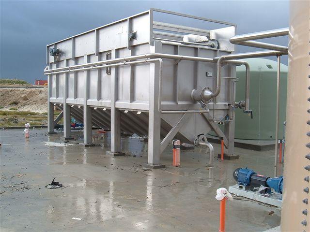 Bể tuyển nổi trong xử lý nước thải